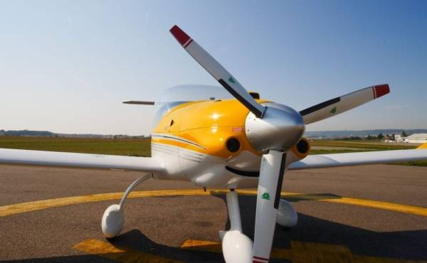 Avion MCR | SPORSTER EVOLUTION